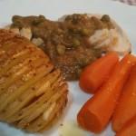 Pechuga de pavo con salsa de Oporto y patatas Hasselback…