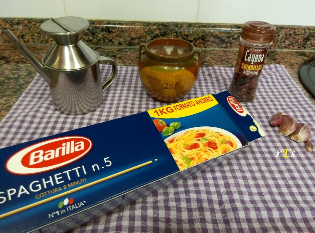 espaguetis_aglio_oleo_ingredientes
